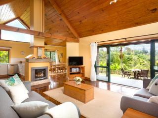 Hilli Cottage - Open Plan 2 Bedroom Norfolk Island Luxury Accommodation