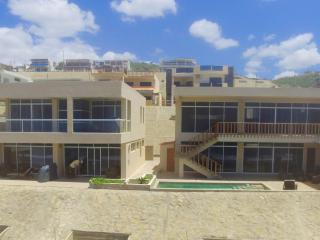 PRIVATE VACATION APARTMENT One Bedroom with Pool!