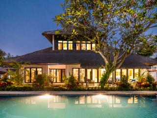 11 BDR Estate, 5* Luxury, Great Location, Perfect, Sanur