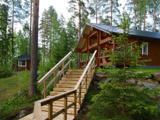 Tiilikka lakeshore cottage in Finland, Kangasniemi