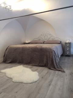 Camera da letto matrimoniale soppalcata