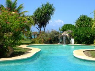Sunset Beach Carlton - Luxe, piscine et bord plage - Punaauia - 2 ch 4 pers 1bb