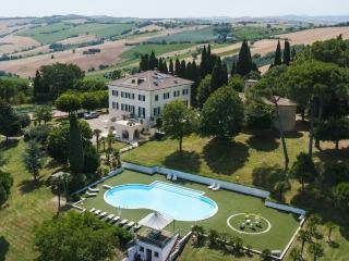 Luxury Vacation Home 8+10 sleeps with pool, tennis court and private chapel