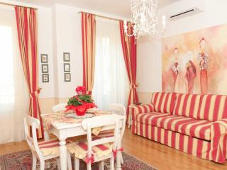 Virginia-stylishly furnished-nearFlorence-sleeps 2, Pistoia