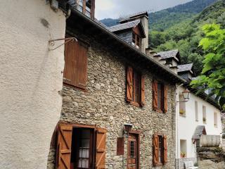Centrica casa aranesa en  Les, Vall d'Aran, Lleida