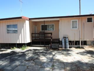 Shaw Moore - Affordable Beach Shack Accommodation, Guilderton