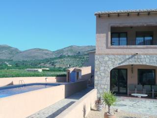 Splendid Spanish 2 BR Apartment with Swimming Pool, Llíber