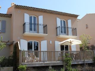 Maison avec piscine a Pont-Royal en Provence