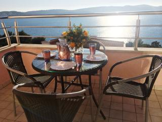 10minutes walk from Trogir old town, 2 bed apt