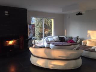 Villa plein sud avec home cinéma+Piscine hors sol, Saint-Andre-de-la-Roche