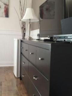 Flat screens TV with full cable (movies rentals), Wi-Fi