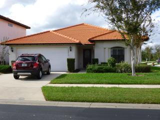 4 Bedroom, 3 bathroom villa with pool and spa, Orlando