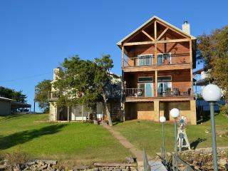 Beautiful Open Water Lakehouse With Beautiful View, Graford