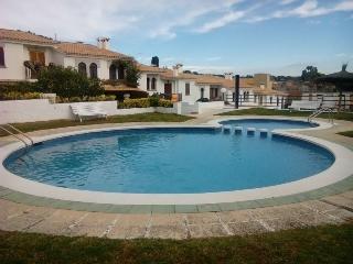 Casa adosada con jardín y acceso a la piscina., S'Agaro