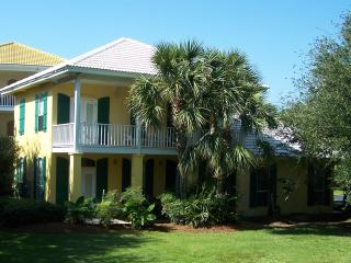 Location,Location,Location! Huge grass bonus yard!, Destin