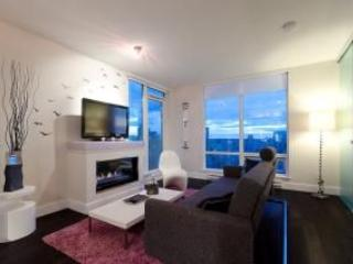29th Floor Downtown Luxury Condo with Ocean View, Vancouver