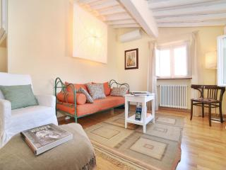 charming apartment in Historical centre, Lucca