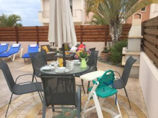 Spacious garden.  Cypriot BBQ for alfresco dining. In sun all day. Sun all day long.