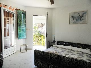 Studio apartment 2+1 SunRose, Sveti Stefan