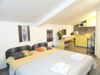 Studio apartment for two, SunRose, Sveti Stefan