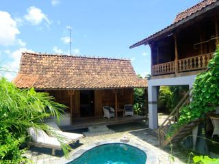 Seminyak, 2,5BR Charming Villa with Private Pool