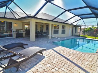 Villa 'Blue Pearl' with heated pool, Cape Coral