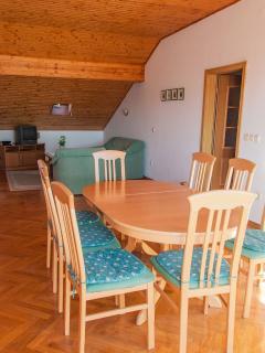 A1 Dora(7): dining room