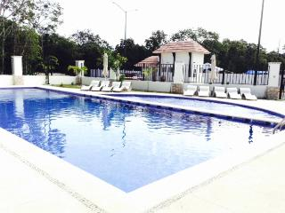 Condo For 6 In Gated Comunity, Pool, Gym, Track., Playa Maroma