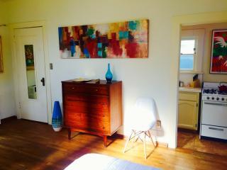 Coronado island CA mid-century modern studio WIFI