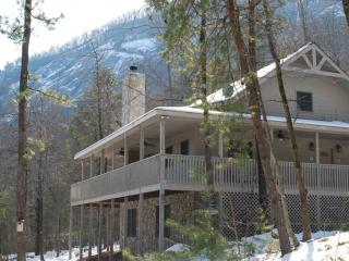 Lagniappe Lodge- Rumbling Bald Resort, Lake Lure
