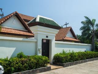 3br pool villa 200m from beach