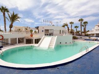 Studio Esperanza with Pool in Puerto del Carmen, Puerto Del Carmen