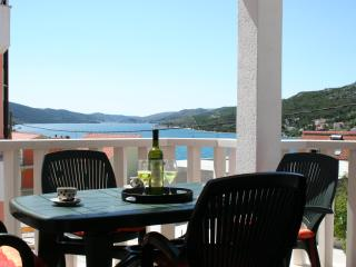 Spacious Apartment With Seaview Terrace Just 200m from the Beach, Seget Vranjica