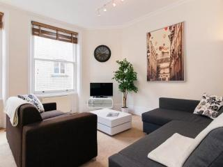 Central, Covent Garden 2 bedroom - sleeps 6!