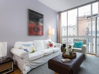 Quiet and bright Flat in Eixample, Paseo de Gracia, Barcelona