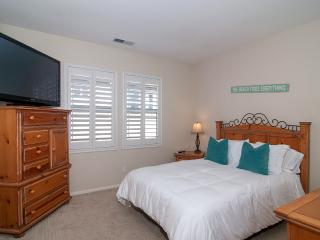 Queen's of Paradise Family Friendly Home! Wi-Fi!!, Oceanside