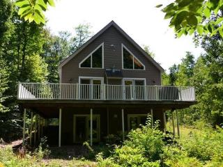 Spacious And Private Getaway!, Gilford