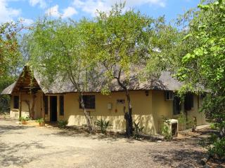 Luxury holiday home in Marloth Park WiFi possible!