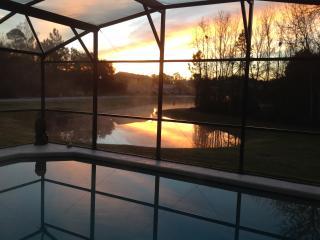 Stunning South Facing Lake View Kings Ridge Villa, Davenport