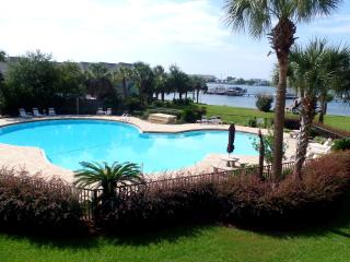 studio,waterfront, pool, boat slip, free wifi,view, Fort Walton Beach