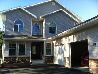 5 Bed/4 Bath Immaculate Executive Home, Soldotna