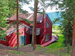 4 Bed/3 Bath Perfect Lake View Mountain Home