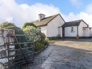 BRIDE VIEW, detached, en-suite, all ground floor, pet-friendly, in Conna