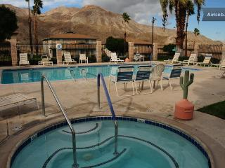Condo - Perfect Location for Coachella Fest & BNP!