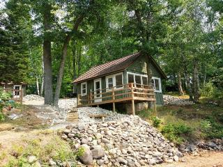 Family friendly lakefront fully remodeled, Tomahawk