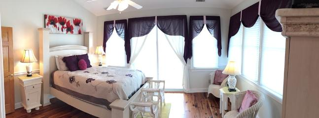 2nd fl Master Bedroom with Queen