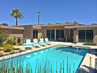 Stunning Modern, Pool/ Spa Home, with Amazing View, Palm Springs