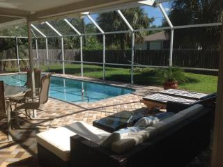 House with salt water pool close to gulf beaches