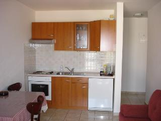Indira Apartments A3, Loviste