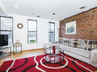 Spacious 2BR/1BA Midtown Manhattan